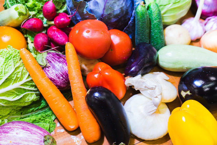 Colorful fruits and vegetables may be a clue about their nutrition